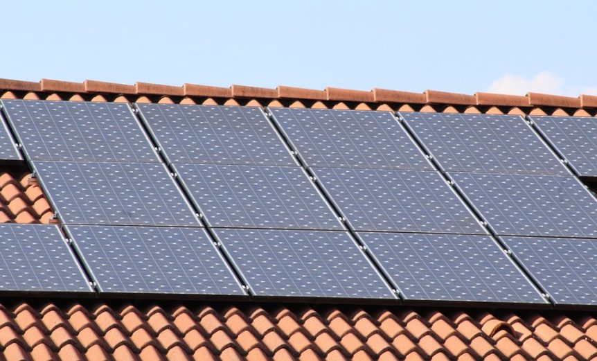 Pannelli fotovoltaici sulle abitazioni